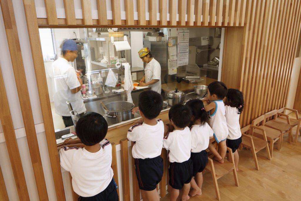 子どもの視点でも見える調理室